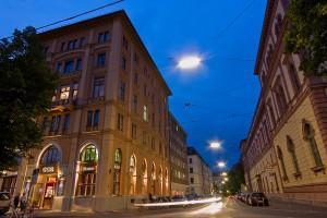 Web_GOP München Aussenansicht_Nacht